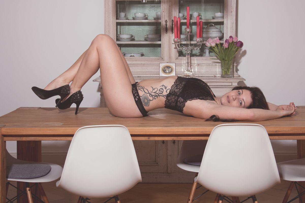 dirkpult fotografie sensual 1689 01 8151 - Monika in Black