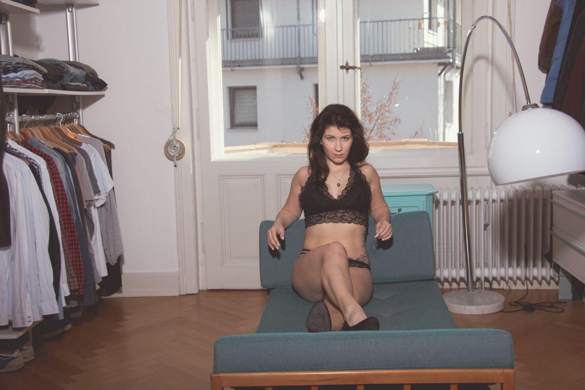 dirkpult fotografie sensual 1689 01 8173 - Monika in Black