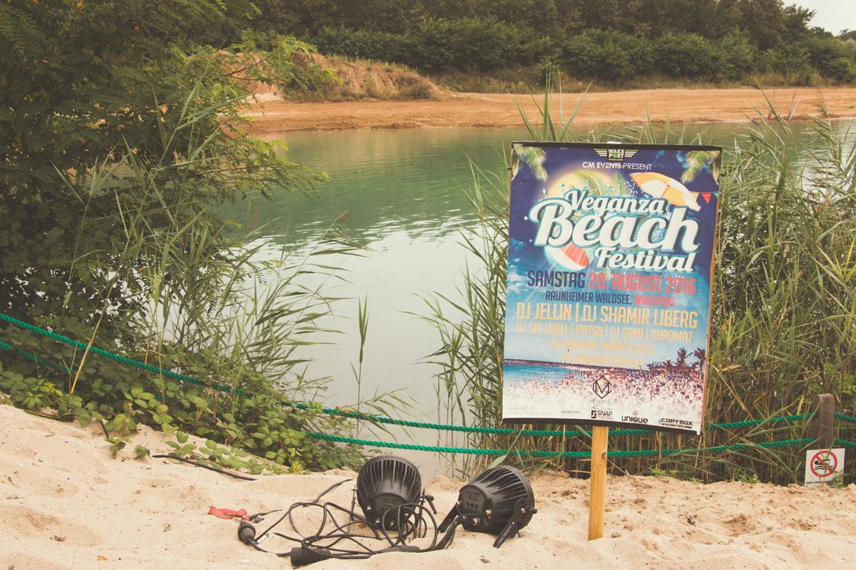 event reportage wakeport party cm 2202 comp - Veganza Beach Festival