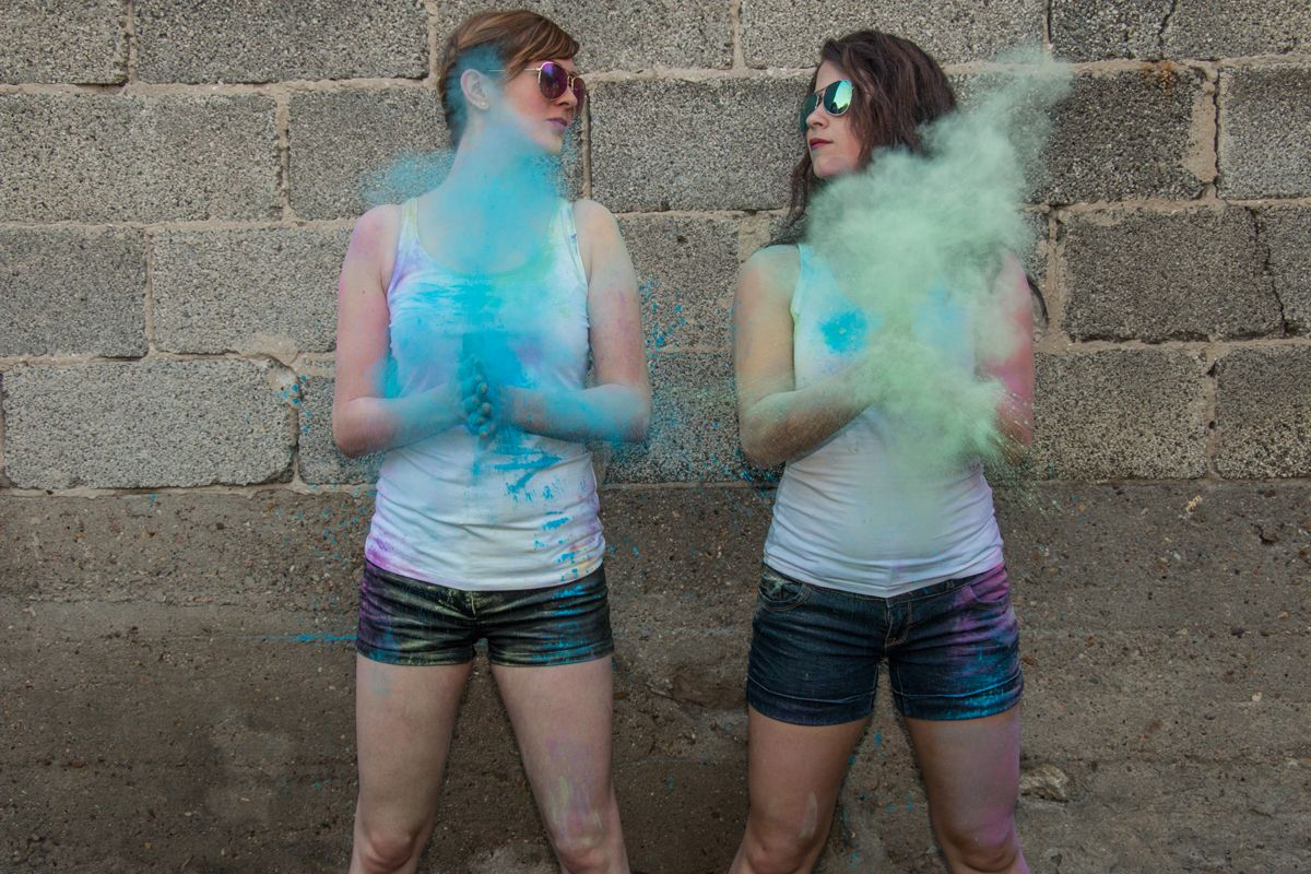 "people bestfriends holi moni ela 0300 comp - Ela & Moni ""Holi shooting"""
