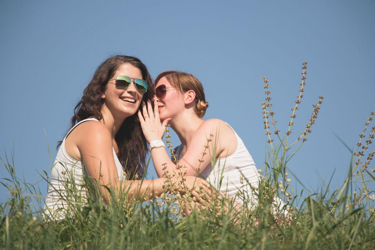 people bestfriends holi moni ela 9528 comp - Best friends Ela & Moni Series 2