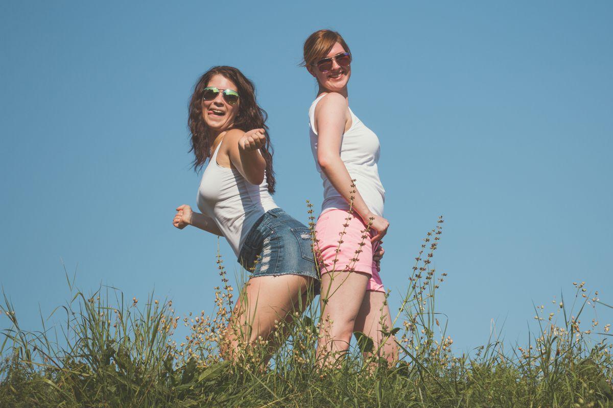 people bestfriends holi moni ela 9616 comp - Best friends Ela & Moni Series 2